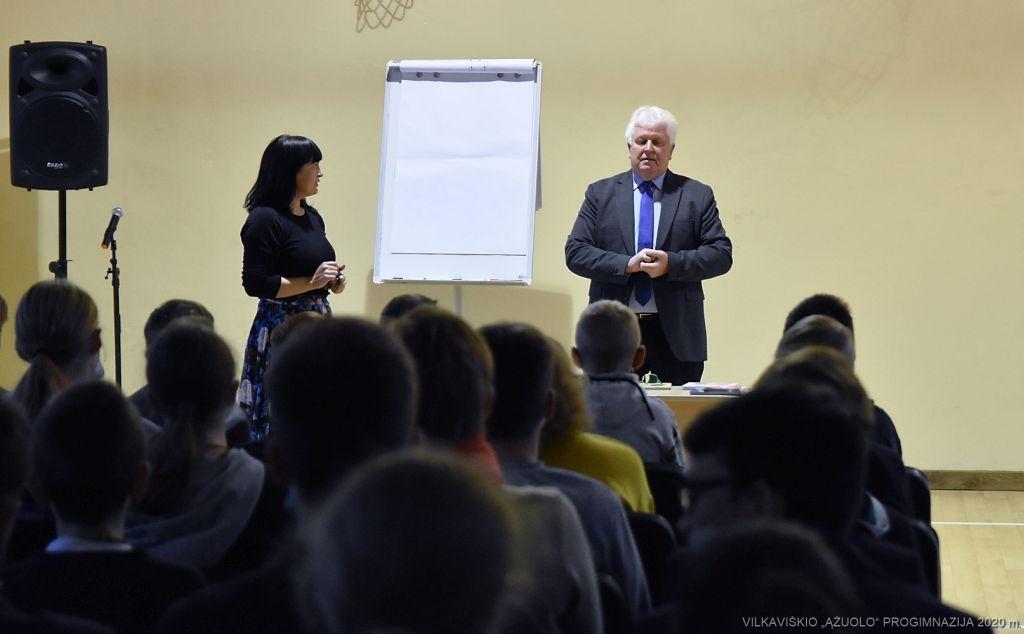 RAŠYTOJAS S. PALTANAVIČIUS (1)